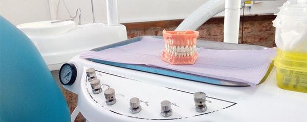 Articuladores dentales y oclusores dentales